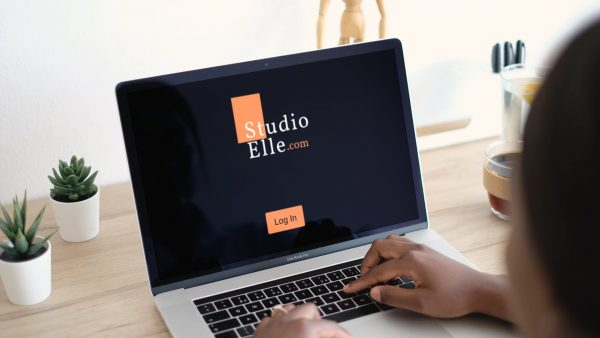 studio elle laptop view